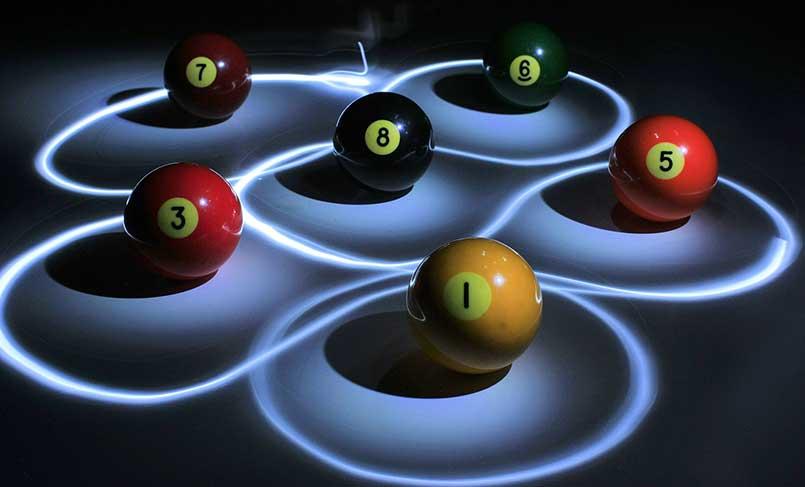 Picture of billiard balls